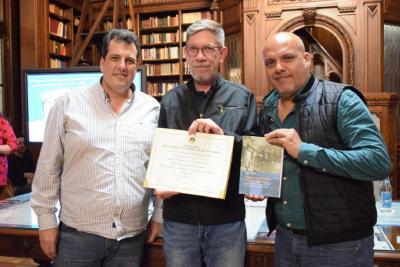 La Legislatura declaró de interés el libro del comunero Mario Reina
